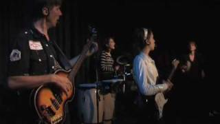 Twist & Shout - MonaLisa Twins (The Beatles Cover) live!