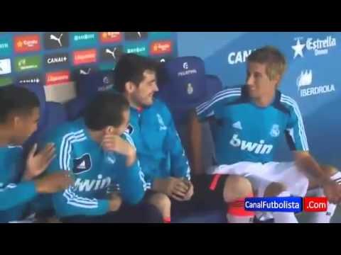 Jugadores del Real Madrid y Mourinho se burlan de Coentrao  Espanyol 1-1 Madrid 2013