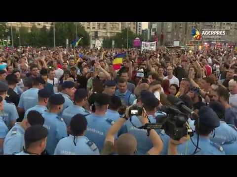 Incidente la protestele din Piaţa Victoriei