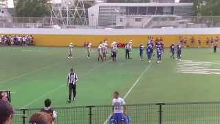 平野尚昌の5yardランでタッチダウン 日本体育大学TRIUMPHANT LION 対 一橋大学CRIMSON 20130907