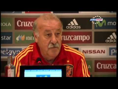 Del Bosque: Spain players eat at the same dinner table
