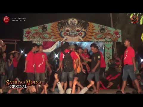 Ricuh Bantengan Ora Minggir Tabrak SATRIYO MUDO ORIGINAL Live Kandeg Waung Baron 2018