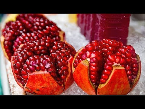 How EUROPEAN and ASIAN cut / peel POMEGRANATE easily   How to Cut Pomegranate quickly   video
