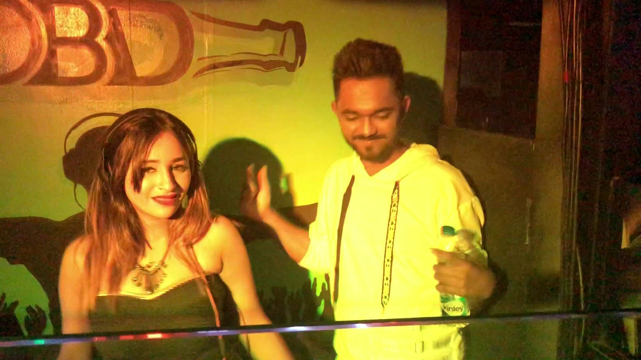 Dj Piyu Playing Live In Kolkata At One Bottle Down Nightclub ( Full Live Performance )