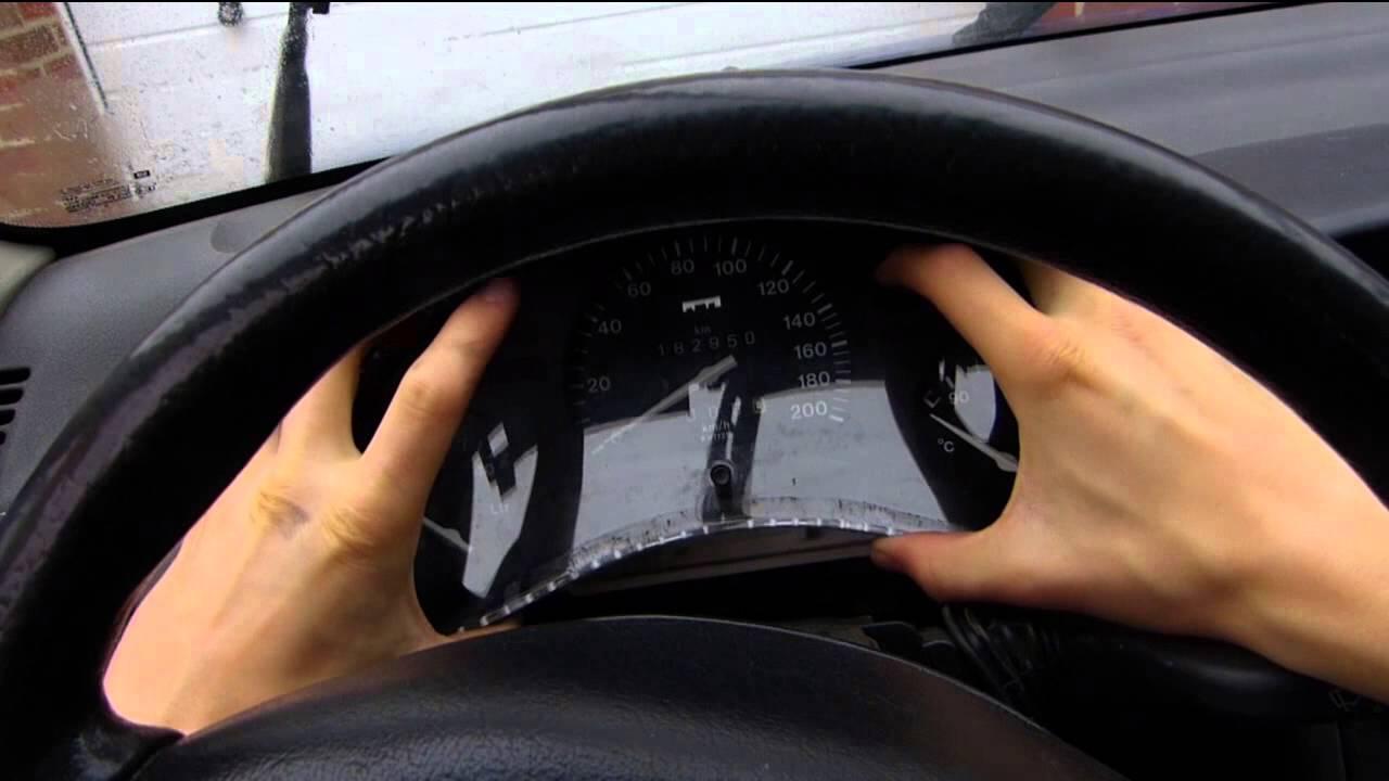 Opel Corsa: Instrumente, Armaturen, Tachowelle ausbauen - YouTube