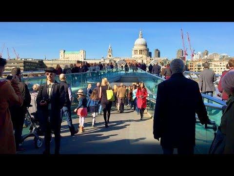 London Walk - Crossing MILLENNIUM BRIDGE to St Paul's Cathedral - England, UK