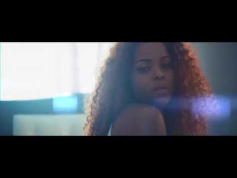 Daphne - Doucement (Official Video)