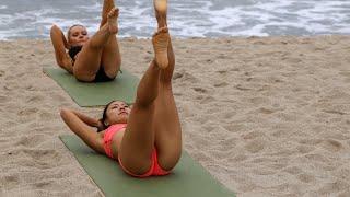 VR Bikini Yoga - Venice - Lesson 4: Abs