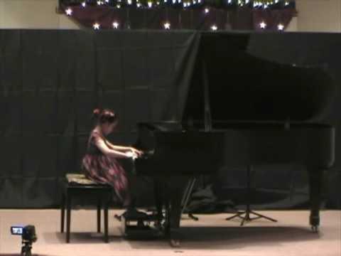 Helen Yu, 4 Years Old, Bach Little Prelude In C Minor