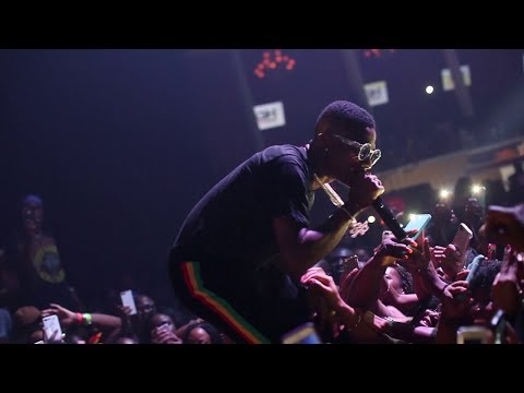 Wizkid Crash Olamide Concert After Performing For 20K People At His Concert (Watch HD)