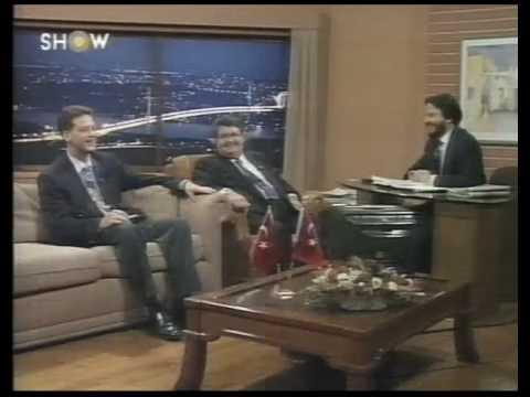 Rahmetli Turgut OZAL'ın muhteşem Taklidi !!! [HQ].mp4