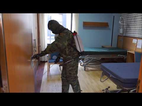 El ejército desinfecta la residencia de mayores Doral en Mos