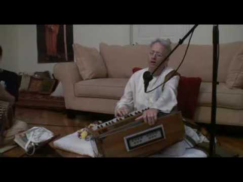 Bhajan - Mukunda Datta das - Gay Gaura Madhur Sware - 1/4