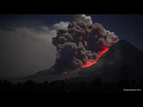 Wybuch Wulkanu Sinabunga - Sumatra / Indonezja