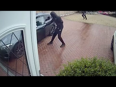 Car Robbery Caught On CCTV (Solihull)