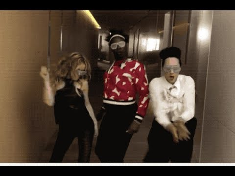 Watching Leslie Jones, Johnny Weir, And Tara Lipinksi Dance To Beyoncé Has Made Me Believe In