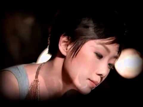 爱上一个不回家的人 Ai shang yi ge bu hui jia de ren - 林忆莲 Sandy Lam cover by Akatomie