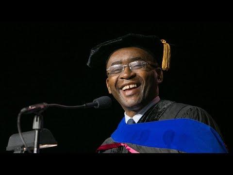Strive Masiyiwa delivers keynote for 2018 NYU Law LLM/JSD Convocation