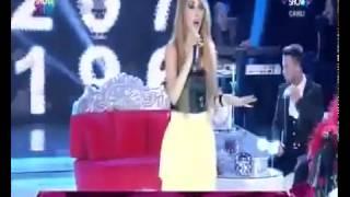 Hande Yener - Acele Etme (Canlı Performans) - www.radyobox.com