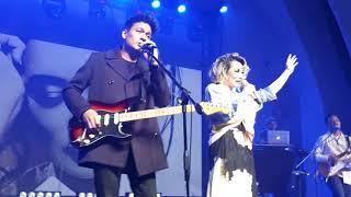 Reza Artamevia Feat Rendy Pandugo (konser pertama 2018) - menjadi kenangan