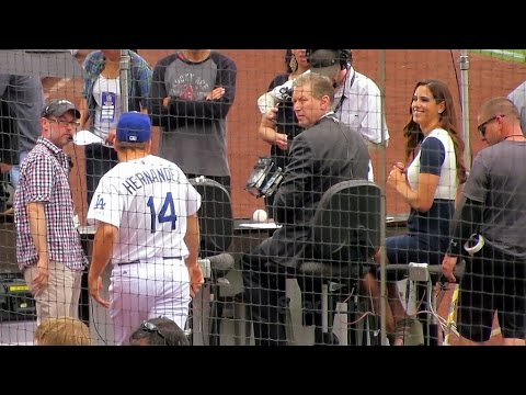 Kike Hernandez Goofing Around @Dodgers