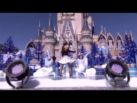 Ariana Grande - Zero To Hero and Focus (Disney Christmas Day Prade)