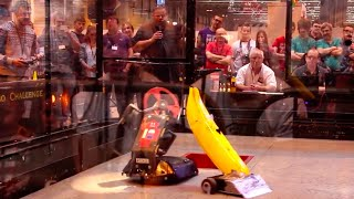 RC Combat Robot Wars - Twisted Sister v Richie v Hardwired II - FRA Q6 - 2015 RC World Championships
