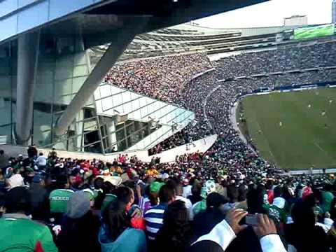 La ola partido de futbol Mexico