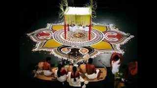 Pulluvan pattu - Traditional kerala song - A must listen.