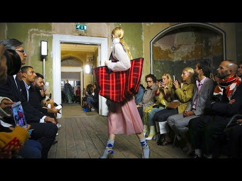 Burberry | Spring Summer 2018 Full Fashion Show | Exclusive