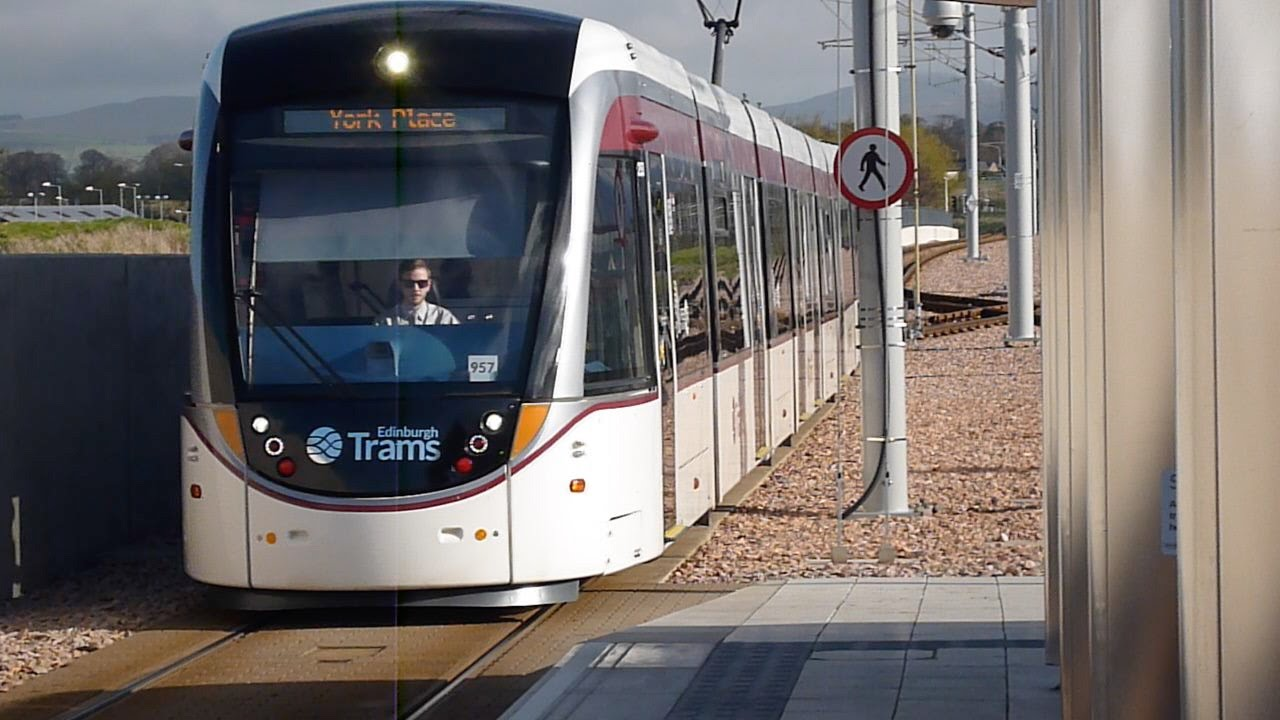 Edinburgh Tram From York Place To Airport 2015