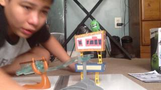 In RyanTubeHD Montes Review a Angry Birds Movie Toys A Sling And Smash Track Set from Spin master