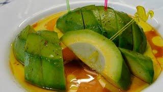 Простая и вкусная закуска из авокадо