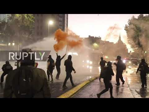 Chile: Riots break out during protest in Santiago on 2nd anniversary of 2019 demos
