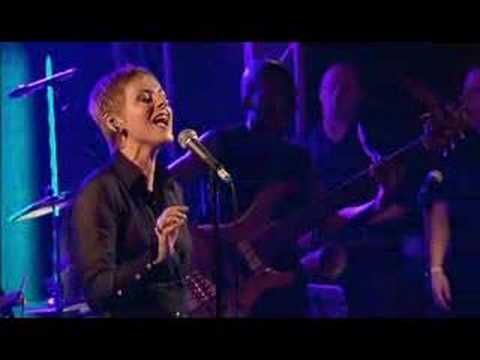 Lisa Stansfield (17/17) - All around the world
