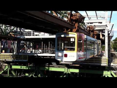 Schwebebahn, el tren colgante de Wuppertal (Alemania) 4