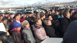 Смотреть Вот это толпа! МЦПС Хоргос (Казахстан-Китай) онлайн