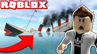 SURVIVING THE TITANIC IN ROBLOX!! (Sinking Ship)