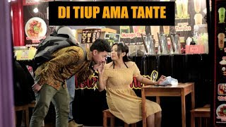 Download Video MATA KELILIPAN DITIUP AMA TANTE CANTIK MP3 3GP MP4