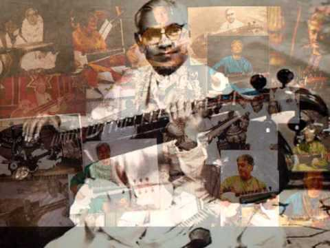 A crown jewel of jugalbandi. Emani shankara shastry and Amjad Ali Khan - 3/4.