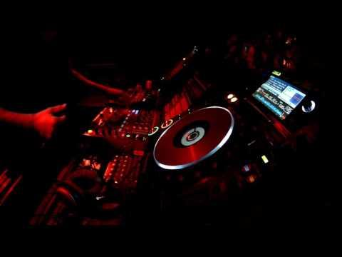 Tech House - Sergio Pellon (Monkey Brothers) [DEEPFLAT 014 | 17 04 2016]
