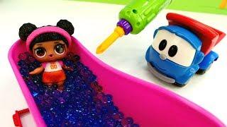 Бассейн для куклы Лол. Видео для детей с Грузовичком Левой