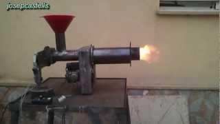 Conversion de un quemador de gasoil a biomasa ( video-1)