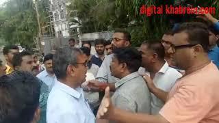Public slap officer - औरंगाबाद में नाराज शक्श ने चाटा जड़ा मनपा अधिकारी को