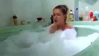 Ванне надо купаться а не заниматься таким!