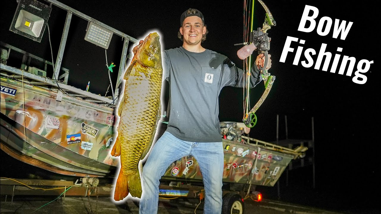 Bow Fishing for Giant Carp!!