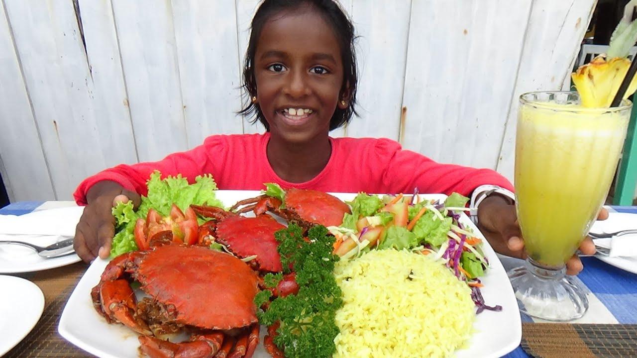 Chilli Crab & Fire Wood Oven Pizza ❤ Travel to Hikkaduwa Beach & Galle Fort in Sri Lanka