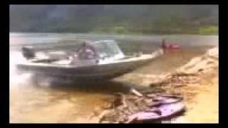 Jet boat 50kph beaching !