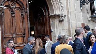 Pedro Sánchez visita Logroño y se para ante el Museo