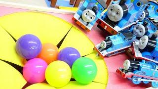 きかんしゃトーマス 坂道すべり カラーボール 大きな穴におっこちる